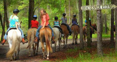 horseback riding in Eminence