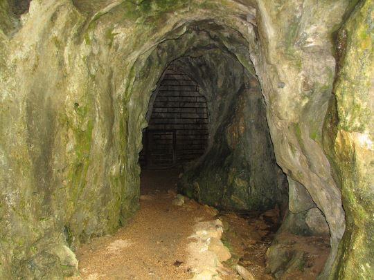 Round Spring Cave